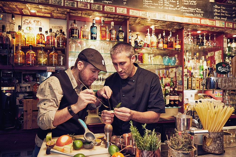 Chacune des 13 recettes originales Ti Ced' Cocktail ont été imaginées et réalisées par Ced' et Matt Barman professionnel à Nantes !